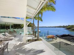 Waterfront Modern Villa For Perfect Summer, Noosa Heads, Australia Outdoor Spa, Outdoor Areas, Outdoor Living, Outdoor Decor, Coast Australia, Small Places, Sunshine Coast, Terrace, Beach House