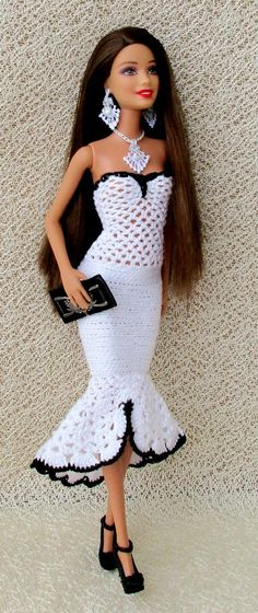 Irresistible Crochet a Doll Ideas. Radiant Crochet a Doll Ideas. Crochet Barbie Patterns, Crochet Doll Dress, Barbie Clothes Patterns, Crochet Barbie Clothes, Knitted Dolls, Clothing Patterns, Dress Patterns, Habit Barbie, Barbie Dress