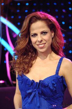 18758_pastora-soler-representara-espana-eurovision-2012.jpg (980×1475)