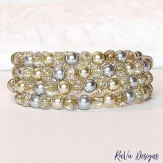 Memory Wire Jewelry, Wooden Jewelry, Silver Jewelry, Diy Bracelet Storage, Handmade Bracelets, Beaded Bracelets, Jewelry Rack, Gold Pearl, Pearl Beads