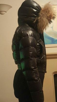 Jacket has been kept in clothes bag. Garment shows size 00 fits women& size 6 - 8 petite. On height it comes to the waist so not really suitable for much taller girl& Down Puffer Coat, Down Parka, Down Coat, Puffer Jackets, Winter Jackets, Size 00, Moncler, Fur Trim, Fit Women