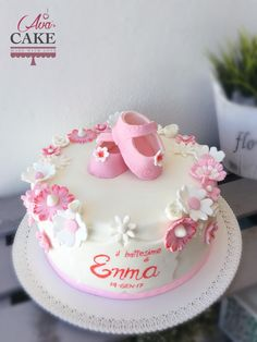 Little shoes, baby pink cake