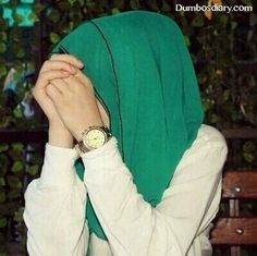 Find images and videos about green and hijab on We Heart It - the app to get lost in what you love. Stylish Girl Images, Stylish Girl Pic, Stylish Hijab, Stylish Dresses, Muslim Girls, Muslim Women, Muslim Fashion, Hijab Fashion, Hijab Dpz