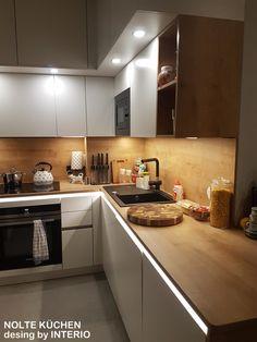 Modern Kitchen Design, Interior Design Kitchen, Bathroom Interior, Kitchen Decor, Green Kitchen Cabinets, Elegant Living Room, House Design, House Styles, Malaga
