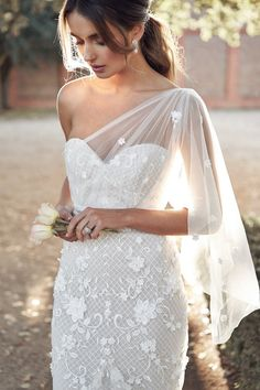 Anna Campbell Trunk Show Event March & 2020 at The Bridal Studio in Salt Lake City for One weekend only! Receive off your purchase of Anna Campbell gowns during the trunk show event! Anna Campbell Bridal, Anna Campbell Dress, Bride Gowns, Bridal Dresses, Wedding Gowns, Wedding Dress Styles, Wedding Venues, Wedding Photos, Lace Bride