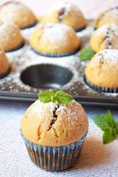 muffiny z dżemem truskawkowym