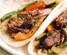 The absolute BEST Steak Fajitas you've ever had! This is my take on the tex-mex steak fajitas. Marinated for hours in lime juice, garlic, and cumin — so good you'll never use another recipe again! And i'm not just saying that because steak Best Steak Fajitas, Steak Fajita Recipe, Beef Fajitas, Chicken Fajitas, Pumpkin French Toast, Brunch, French Toast Casserole, Paleo Dinner, Dinner Recipes