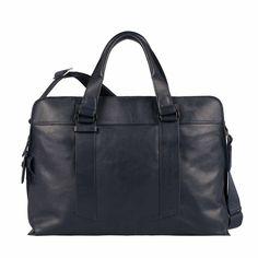 Piquadro torba na laptop z kolekcji Wassily SS 2015.  Idealna na spotkanie biznesowe.  Piękny i elegancki granat świetnie pasuje do biznesowej stylizacji. Do kupienia w butiku Multicase Centrum Handloe Atrium Promenada lok. 1.50, 1 piętro. #SS2015 #PiquadroPolska #Multicase #Promenada #travelbag #Leatherbag #mensfashion #torbanalaptop