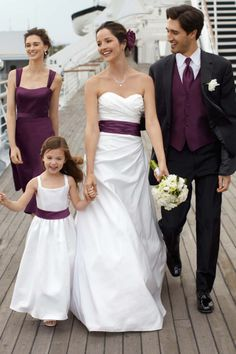 Minus the purple vest on the bloke (Terry would kill me before we're even married) .. love this idea of the sash matching the dress!