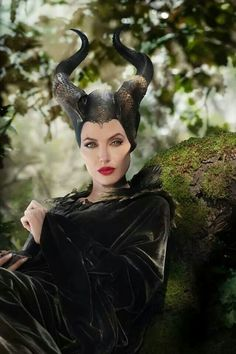 Maleficent why can't I be that gorgeous!!!?!??!?? Angelina Jolie is so beautiful!