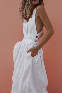 Minimal big day dresses, minimal sexyhomecoming clothes, and semi-formal graphic designer dresses. Casual Evening Dresses, Casual Dresses, Elegant Dresses, White Dress Casual, Dress Black, White Dress Outfit, Boho Summer Dresses, White Midi Dress, White Dress Summer