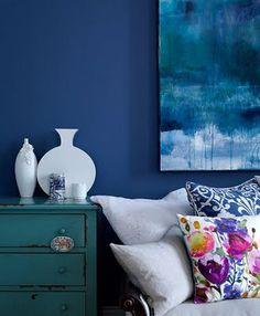 "Wildflowers against blue. ""Home of Fiona Douglas of Bluebellgray in Glasgow, Scotland. Photos by Fiona and David Cadzow. via Design Sponge. Home Interior, Interior And Exterior, Interior Decorating, Interior Colors, Decorating Tips, Blue Rooms, Blue Walls, Dark Walls, Blue Bedroom"