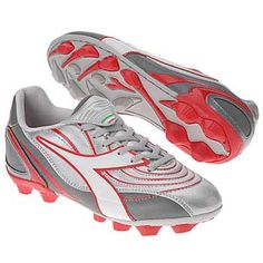 want these cleats!!