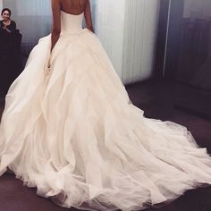 Wow! I normally don't like non tulle wedding dresses but.... This is beautiful!