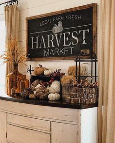 Seasonal Decor, Thanksgiving Decorations, Halloween Decorations, Holiday Decor, Fall Decorations, Fall Home Decor, Autumn Home, Modern Fall Decor, Side Table Decor