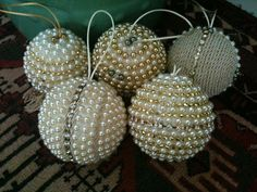 Handmade Christmas Tree Ornaments Pictures 63 Ideas For 2019 Handmade Christmas Tree, Beaded Christmas Ornaments, Noel Christmas, Handmade Ornaments, Christmas Spheres, Christmas Projects, Holiday Crafts, Gold Christmas Decorations, 242