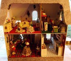 The Arthur Dollhouse - My Small Obsession - example of a Christmas-themed Arthur dollhouse.  Super cute!