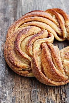 Estonian Kringel, a twisted cinnamon bread