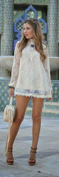 """justthedesign: """" Helena Cave Ramos is wearing a crochet and lace top from A Bad Day, denim shorts from Mango and wedges and handbag from Stradivarius """" All About Fashion, Love Fashion, Passion For Fashion, Womens Fashion, Fashion Trends, Fashion Bloggers, Latest Fashion, Style Casual, Casual Looks"""