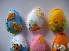 piccole uova di Pasqua gruppo