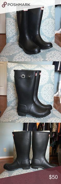 Hunter rain boots Hunter Original Kids black rain boots,           UK kid size 5 = US size 7 women's!  EUC Hunter Shoes Winter & Rain Boots