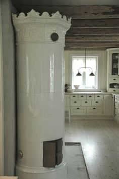love the Swedish ceramic stove, and here is a link on how to set it up.... http://www.dataphone.se/~ncteknik/We_are_setting_up_a_Swedish_ceramic_stove.html