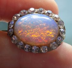 OLD VINTAGE JEWELLERY ORNATE FIRE OPAL DRAGONS BREATH CABOCHON BROOCH  PIN  £82.00 (14B) +2.32PP