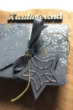 Weihnachten im July? Jaaaa, unbedingt. Das maht total viel Spaß. Heute mit einer tollen edlen Verpackung, dabei ist das Designerpapier gar kein Weihnachtspapier, aber total egal. Sieht einfach nur schön aus... #kreativierend #stampinup #christmasinjuly #su Stampinup, Christmas In July, Jaaaa, Gift Wrapping, Gifts, Papercraft, Stocking Stuffers, Arts And Crafts, Creative Ideas