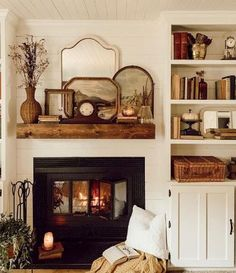 31 Awesome Cozy Living Room Decoration Ideas With Fireplace - Eclectic Home Decor Cottage Fireplace, Farmhouse Fireplace, Living Room Decor Cozy, Living Room Sets, Cozy Room, Farmhouse Style, American Farmhouse, Farmhouse Decor, Modern Farmhouse