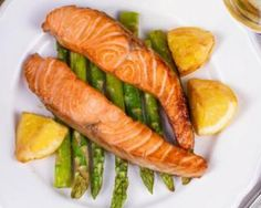 Broiled Salmon With Asparagus Healthy Diet Recipes, Vegetarian Recipes, Healthy Eating, Cooking Recipes, Healthy Life, Salmon And Asparagus, Us Foods, Meal Planning, Clean Eating