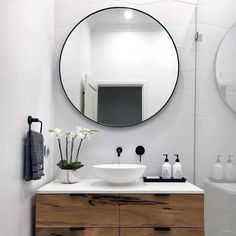 Beautiful Bathroom Mirror Ideas For a Small Bathroom, lovely bathroom mirror ideas are enjoyable, stylish and creative which is ideal for your bathroom. Diy Bathroom Remodel, Shower Remodel, Bathroom Renovations, Bathroom Interior, Inexpensive Bathroom Remodel, Bathroom Makeovers, Bath Remodel, Minimalist Bathroom, Modern Bathroom