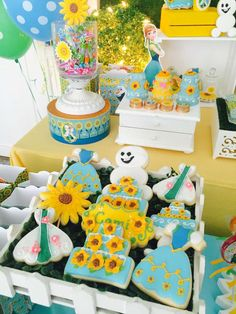 Loving the cookies at this Frozen Fever Party! See more party ideas at CatchMyParty.com