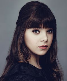 Hailee Steinfield. beautiful. thats all i can say.