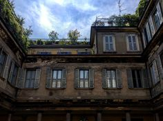 Palazzo Brivio. #adsi #cortiliaperti #giornatenazionaliadsi #igersmilano #mymilano #milanodavedere #milaninsight by daisythewanderer