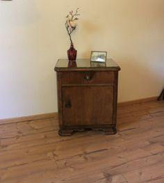 Vintage Kommode hellbraun Nr.2 Shabby, Nightstand, Designer, Etsy, Table, Furniture, Home Decor, Vintage Dressers, Homes