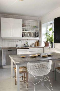 Kitchen in Oslo. Stringstolen Arkys er kjøpt på kollektedby.no.