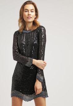 Sukienki na sylwestra: Topshop, 609 zł / zalando.pl