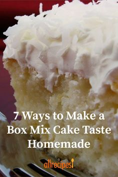 7 Ways to Make a Box Mix Cake Taste Homemade 7 Ways to Make a Box Cake Mix Taste Homemade Cake Mix Desserts, Delicious Desserts, Cakes From Cake Mix, Baking Desserts, Bakery Cakes, Food Cakes, Box Cake Recipes, Strawberry Cake Recipes, Banana Recipes