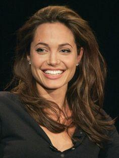 000002894-Angelina_Jolie2.jpg (240×320)