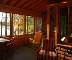Enclosed porch on the lake. Serenity