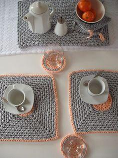 Conjunto 2 individuais com oferta de bases para copos | Na vitrine shop