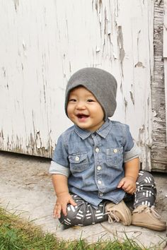 organic cotton charcoal trio dash leggings by ourlittlelullaby. Boys can wear leggings too :)