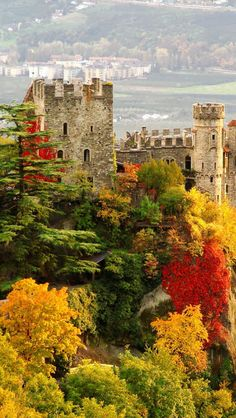 Brunnenburg Castle in South Tyrol, Italy. Read where you've never read before http://youtu.be/LyO3EkP1TdY