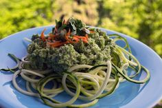 Cuketové špagety s brokolicovým pestem