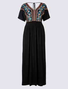 Designed for a regular silhouette. Take a look at our size guides for more information. Perfect the relaxed bohemian look with this stylish embroidered design.