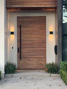 Modern Entrance Door, Main Entrance Door Design, Modern Garage Doors, Modern Exterior Doors, Design Exterior, Modern Front Door, Door Design Interior, Front Door Design, House Entrance