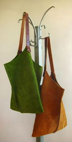 "SLOUCHY LEATHER BAG 13"" by Scabby Robot"