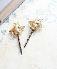 Bee Bobby Pins Gold Honey Bees Raw Brass Woodland Wedding Insect Hair Pins Garden Nature Forest