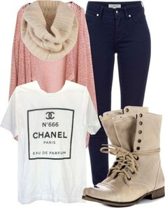 Light coloured winter outfit #Spring in Autumn - 29 Chic Fall Outfits for Teens