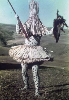 The Leopard Man with spear, dancing in full regalia during the 'Abakwetha' ~ the circumcision ceremony of Xhosa, Eastern Cape, South Africa Charles Freger, Costume Ethnique, Pagan Festivals, Tribal Costume, Xhosa, Mode Costume, Art Premier, Photo Portrait, Circumcision